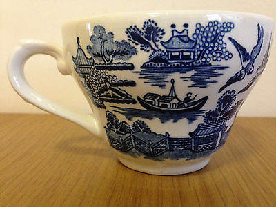 CHURCHILL ENGLAND WILLOW BLUE IRONSTONE TEACUP ORPHAN CUP ONLY Bell Shape