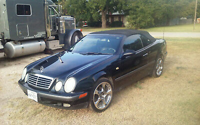 1999 Mercedes-Benz CLK-Class Convertible 2-Door 1999 Mercedes-Benz CLK320 Convertible 2-Door 3.2L