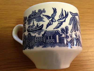 CHURCHILL ENGLAND WILLOW BLUE IRONSTONE TEACUP ORPHAN CUP Square Georgian Shape