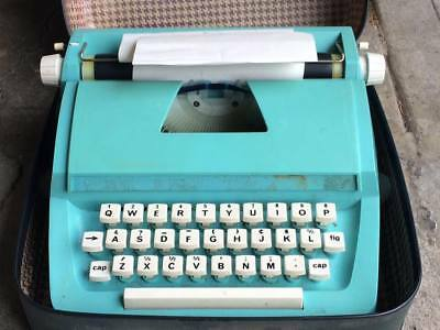 Vintage Petite Turquoise  child's typewriter made in England
