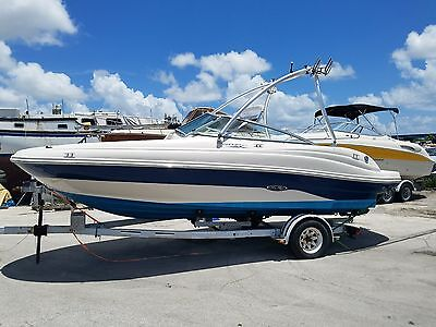 Sea Ray 200 Sundeck 2005 With Trailer EXCELLENT CONDITION.