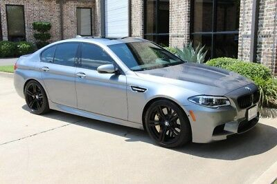 2014 BMW M5 Base Sedan 4-Door COMPETITION CARBON CERAMIC BRAKES EXECUTIVE DRIVER ASSISTANCE LIGHTING B & O