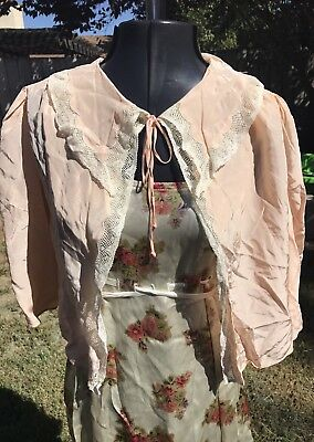 VTG 1930s PINK/PEACH SILK NIGHTGOWN CAPELET JACKET W/ LACE & EMBROIDERY XS/S/M/L