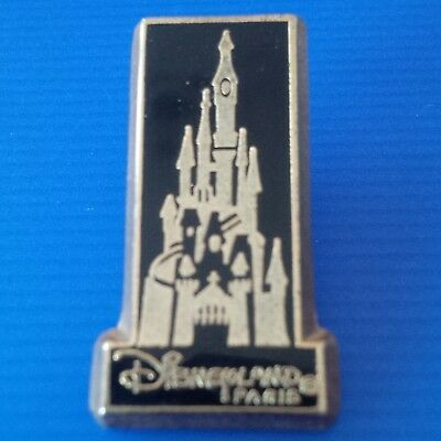 pin pin's Disney Disneyland Paris castle château