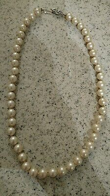 vintage knotted faux pearls necklace