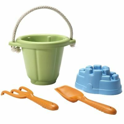 Green Toys Sand Play Set - Classic Sand Toys with an Eco Twist! - French Version