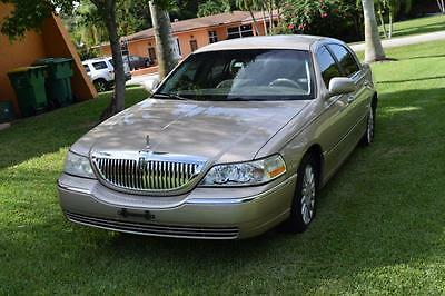 2005 Lincoln Town Car Signature 2005 Lincoln Town Car Signature