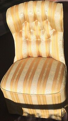Beautiful Elegant Ladies Bedroom Boudoir Chair Antique Vintage