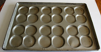 Lot of 9 Ekco/Glaco & Chicago Metallic S-334 Hamburger Bun Pans (24 buns per pan