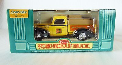 Home Hardware 1940 Ford Pickup Truck Series 3 No 2 Coin Bank 1:25 - New
