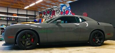 2017 Dodge Challenger HELLCAT AUTOMATIC - SATIN BLACK HOOD - FLAWLESS 2017 DODGE HELLCAT - DESTROYER GREY - AUTOMATIC - SATIN BLACK HOOD - RED BELTS