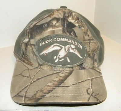 New!  DUCK COMMANDER Camouflage Green Cotton Baseball cap/hat.  One Size