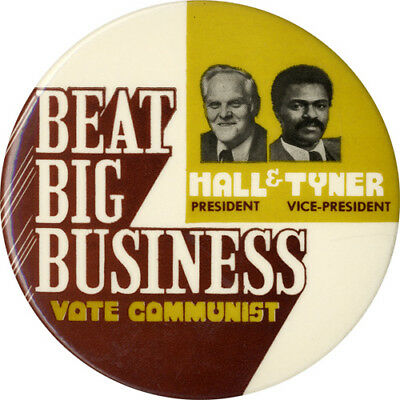 1976 Gus Hall Jarvis Tyner BEAT BIG BUSINESS Communist Party Button (5106)