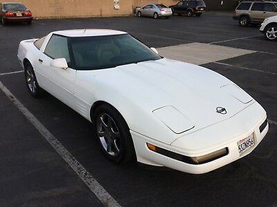 1994 Chevrolet Corvette LT1 1994 Chevrolet Corvette LT1 - Sporty & Fast - Well Cared - SMOGGED!!