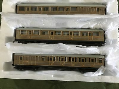 Hornby Oo 3 X  Teak Carriages,suit Flyingscotman Or Mallard.