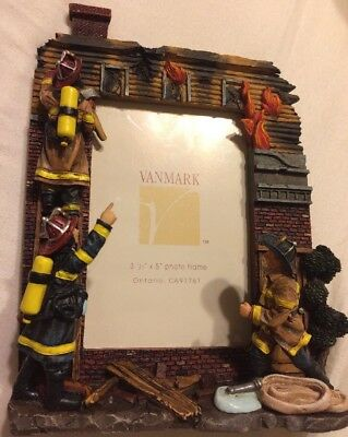 New Vintage VANMARK RED HATS OF COURAGE 3D PHOTO FRAME 88120 Firefighter Rescue