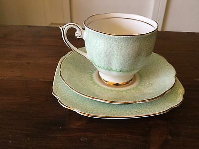 Vintage BELL CHINA Green Gossamer Trio