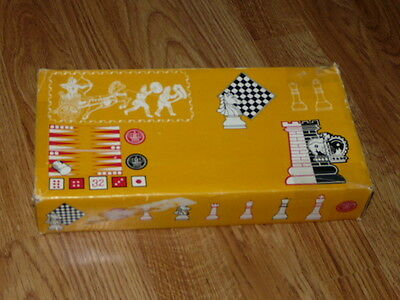 Nice Vintage Portable Magnetic Chess & Backgammon Board Game