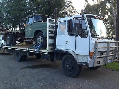 Mitsubishi FK415 10 ton Truck 6 cyl diesel 5speed 20ft tray