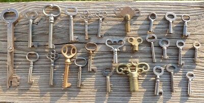 25  Assorted Antique Keys  Padlock Keys  Lock Keys Cabinet Keys Furniture Keys