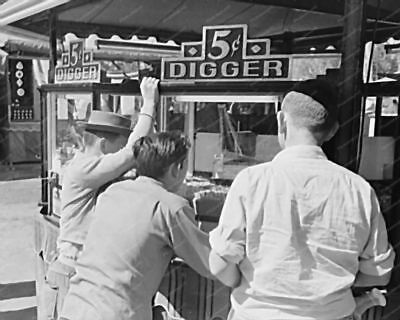 Digger Crane Game 5 Cent Arcade Claw 1940s 8' -10 B&W Photo Reprint