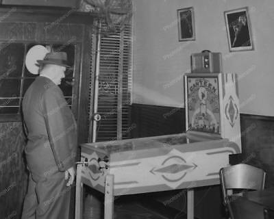 "Gottlieb Stage Door Canteen Pinball 1945   8"" - 10"" B&W Photo Reprint"
