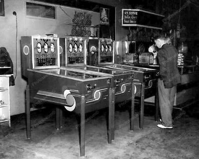 "Mills 1-2-3 Pinball Games   8"" - 10"" B&W Photo Reprint"