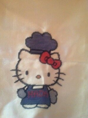 Hello kitty en punto de cruz