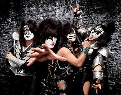 KISS Unsigned Gloss 8x10 Photo (4)