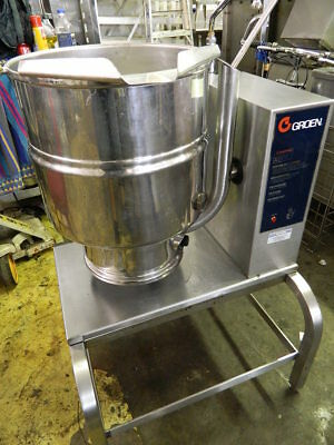 """2004"" Groen Tdb/-40 10 Gallon/ 40 Qt Elec Tilt Kettle W/ Stand 2/3 Steam Jacket"