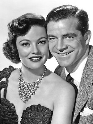 Laura UNSIGNED photo - K3699 - Gene Tierney and Dana Andrews