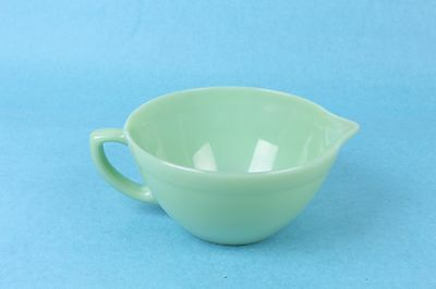 """Vintage Jadite Fire King 7.5"""" Batter Mixing Bowl W/spout And Handle Ex-Condition"""
