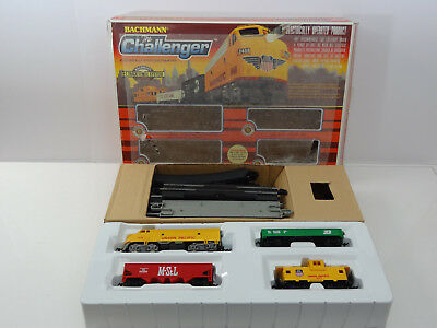 Bachmann HO Scale Union Pacific Challenger Set w Diesel Engine Track Power 00621