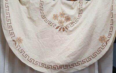 Vtg Oval Embroidered Tablecloth Needlepoint 55 x 86 Ivory Brown Tan Fall