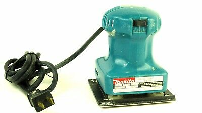 Makita BO4552 Electric Finishing 1/4 Sheet Sander 120 Volts 1.6 Amps WORKS GREAT