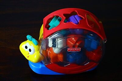 Fisher-Price Musical shape sorter Bright Beginnings Singin' Snail Pail