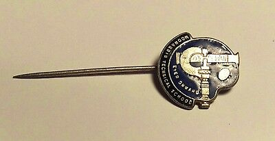 Moorabbin Technical School Pin / Badge