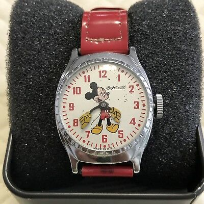 1946 Rare Ingersoll Mickey Mouse Watch With Original Band Us Time Corp.