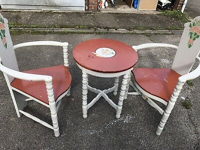 Antique Painted Swedish Table & Chairs  Unique, But Also Typical For Sweden