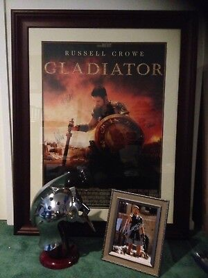 Russell Crowe Signed Gladiator Helmet And 8X10 Phota With Coa