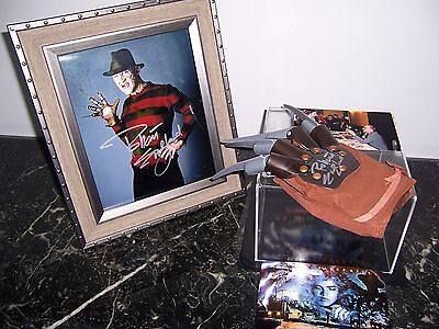 Robert Englund Signed Freddy Kruger Glove And 8X10 Photo