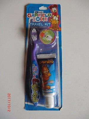 Travel Kit / Spazzolino Da Denti + Dentifricio Dr. Fresh Garfield E Odie Unico