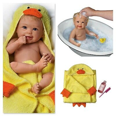 ASHTON DRAKE - Linda Murray Rub-A-Dub-Dub Baby Doll With Bath Accessories