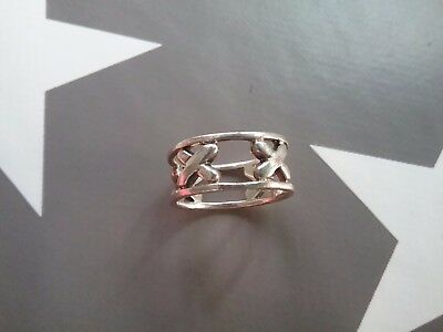 Sterling silver Kisses ring. 925 Hallmarked size K