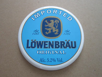 Lowenbrau White Plastic Round T Bar Pump Badge