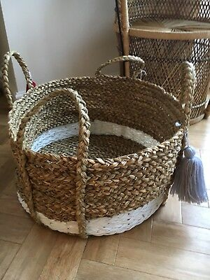 Large straw carrier Basket for magazines flowers and toys
