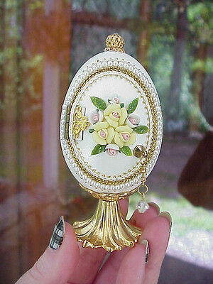 Decorated Real Duck Egg Trinket/Keepsake/Engagement Ring Gift Box Yellow Roses