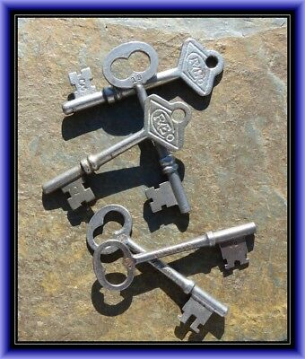 Five  Antique Mortise Lock Skeleton Keys  R & E   Antique Door Keys