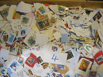 GB Kiloware Stamps All Franked Mostly Xmas Stamps 1KG..**