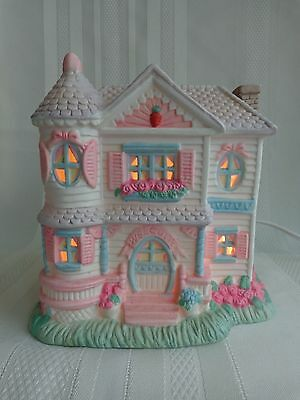 Midwest of Cannon Falls - Cottontail Lane - Victorian House - Easter - Light/Box